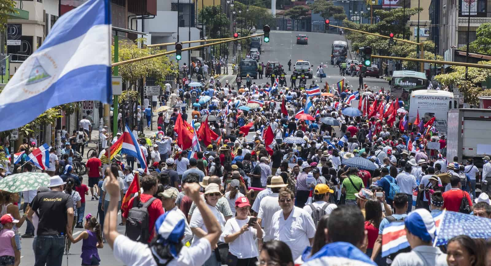 Costa Ricans and Nicaraguans march against xenophobia