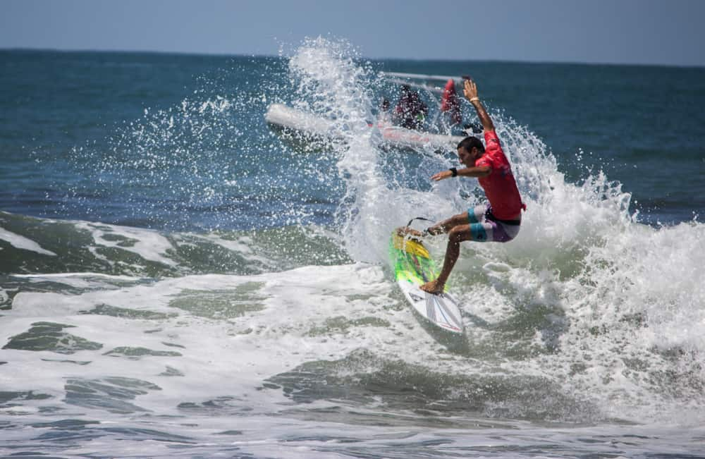 Carlos Muñoz won the Essential Costa Rica Surf Pro 2018