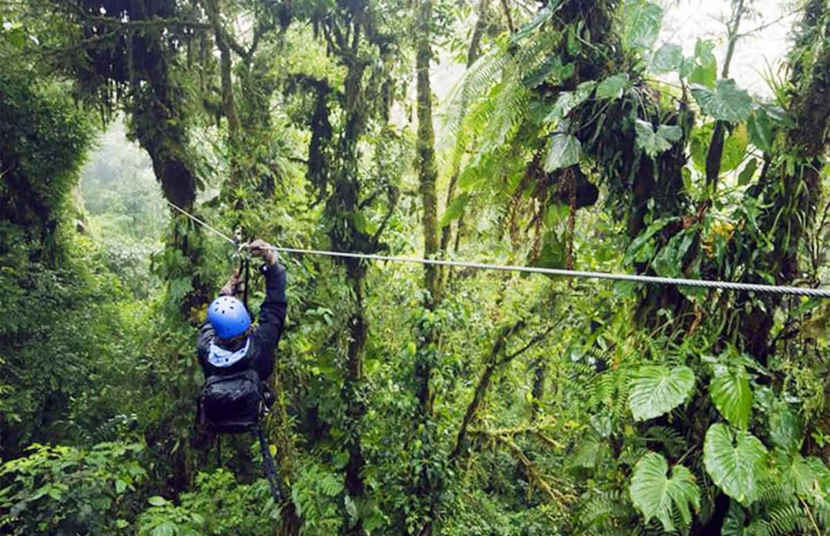 Tourist safety in Costa Rica is sometimes a matter of striking a balance.