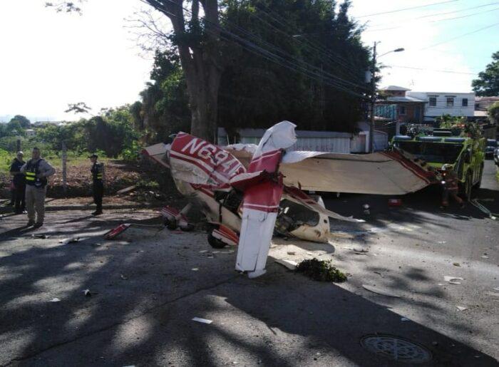 A single-engine plane crashed in Pavas, San José, Costa Rica.