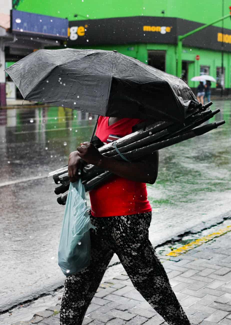 Rain in San José.