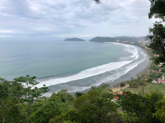 Miro Mountain lookout in Jacó