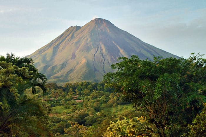 A list of Costa Rica national parks open in August