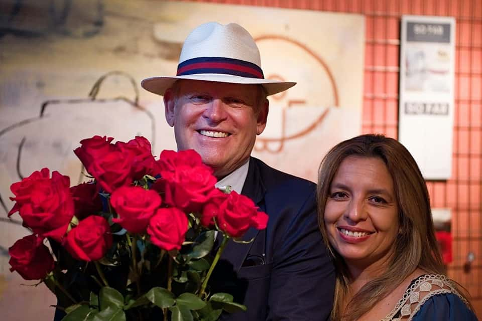Ecuador's premier roses direct to your loved ones and friends in the United States.