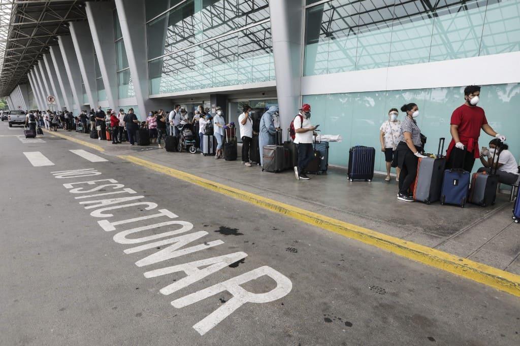 U.S. citizens leaving Nicaragua