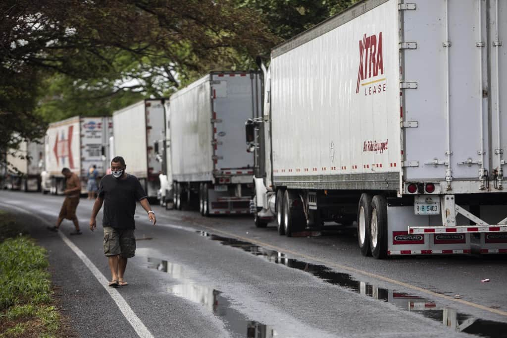 Trucks on the Costa Rica - Nicaragua border