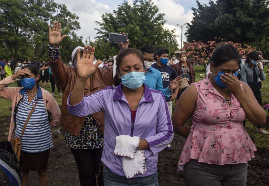 A funeral in Nicaragua during the coronavirus crisis