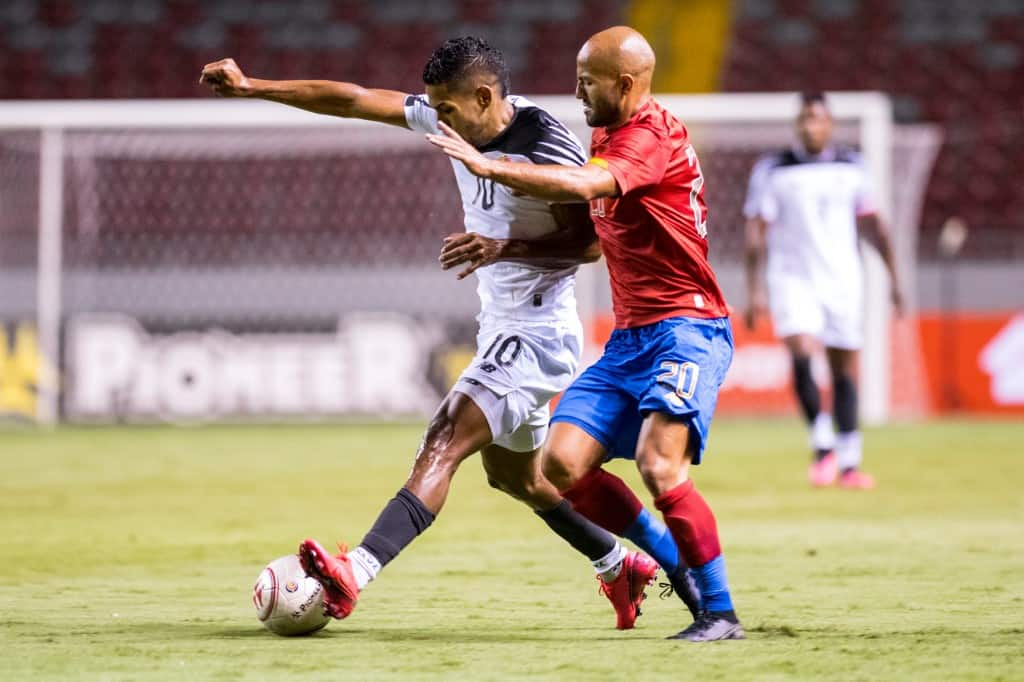 Panama''s Miguel Camargo (L) vies for the ball with Costa Rica's Ricardo Blanco (R) during the friendly match between Panama and Costa Rica at National Stadium, in San Jose , Costa Rica, on October 10, 2020.