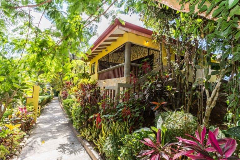 Villa Amarilla For Sale – Manuel Antonio, Costa Rica