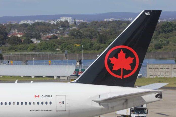 Air Canada Boeing 777-200.