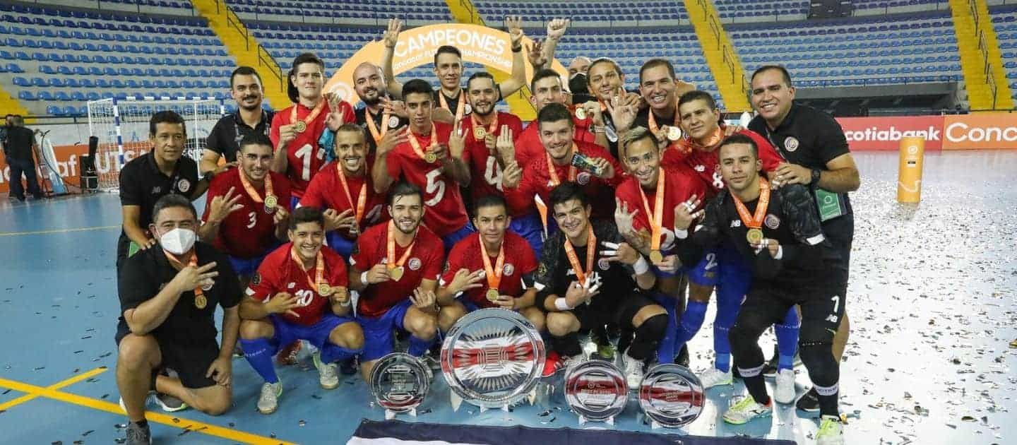 Costa Rica celebrates its 2021 CONCACAF futsal title.