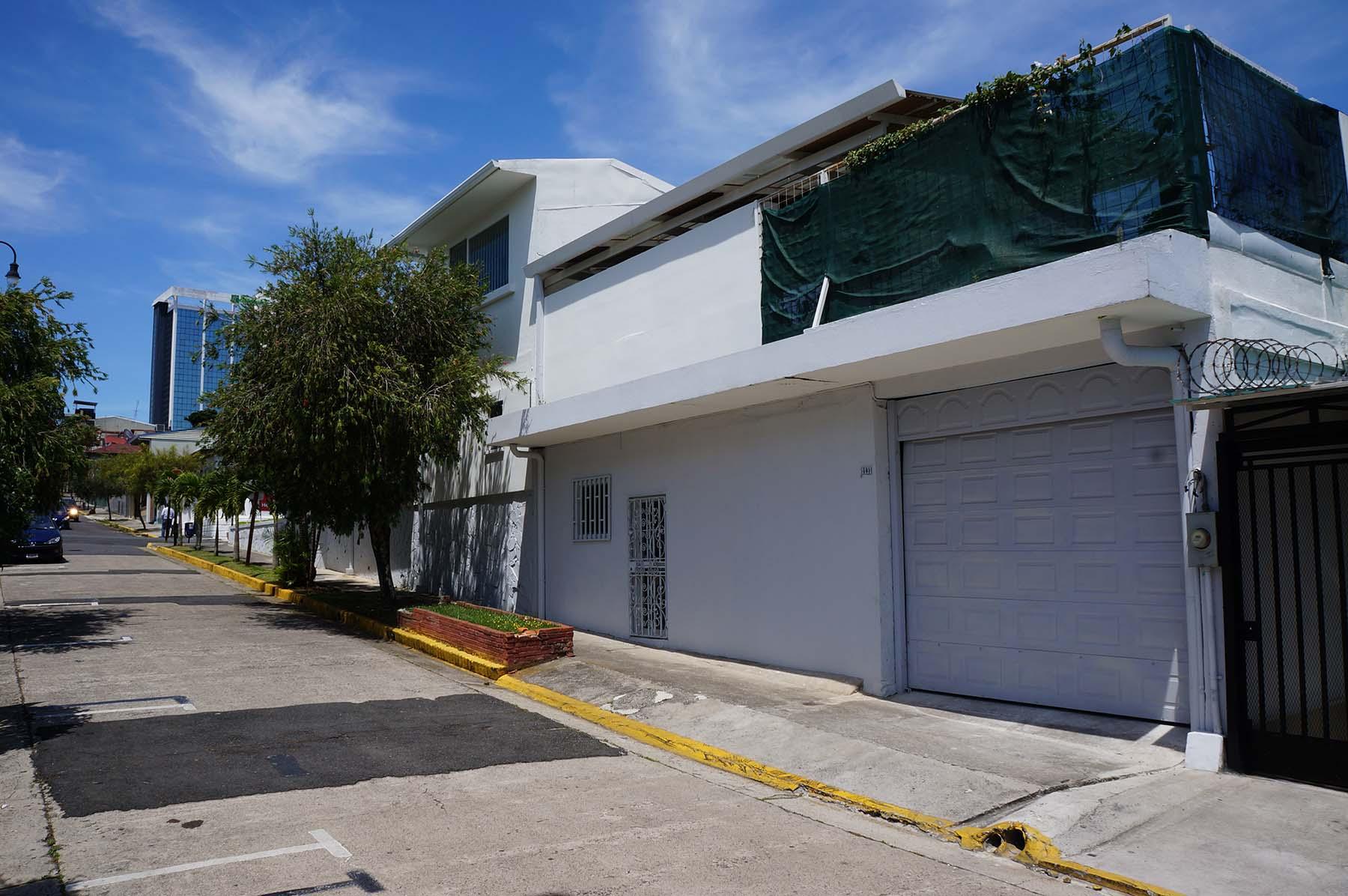 tt-real-estate-barrio-amn-01